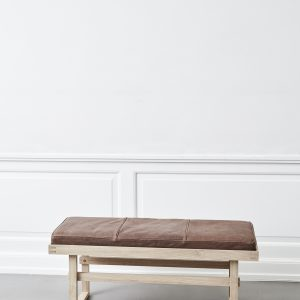 KristinaDam_vertical_bench