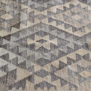 massimo_kilim_light-grey_closeup5_LR-1