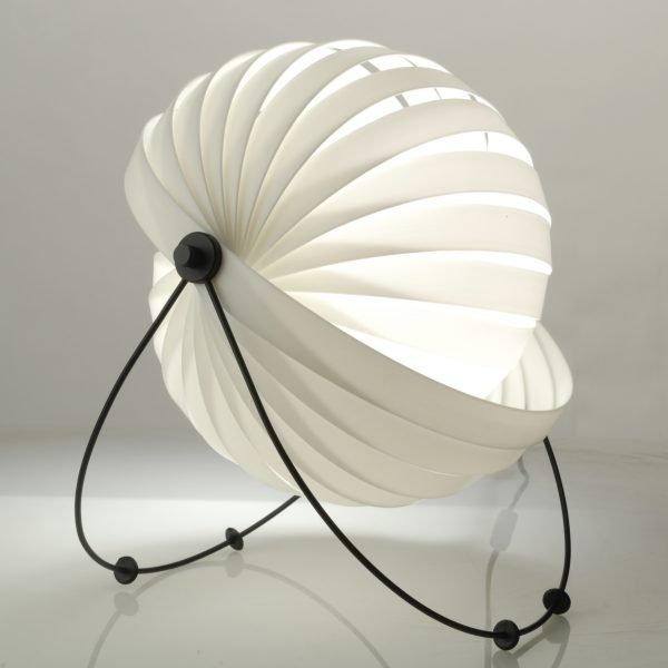 Eclipse-Eclipse_table_lamp-04
